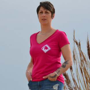 Tee shirt Femme col V Vintage Beach Lifeguard Fuchsia